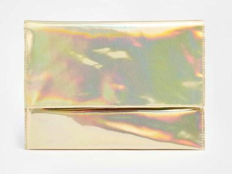 Pochette à rabat holographique Asos - Ma sélection shopping holographique - Charonbelli's blog mode