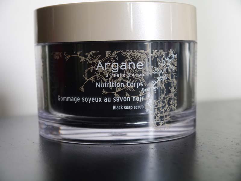 Le gommage soyeux au savon noir Galénic - un incontournable pour préparer nos congés ! (2) - Charonbelli's blog beauté