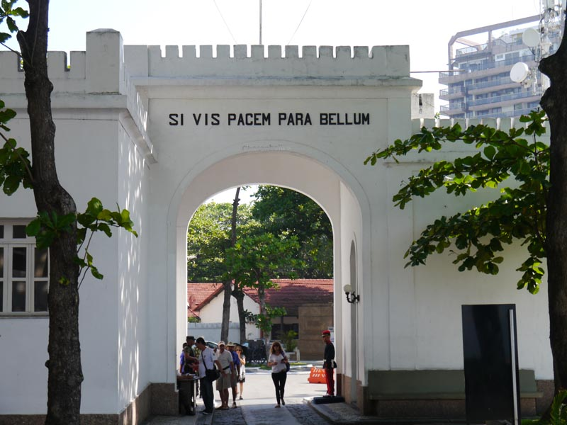 visiter-rio-fort-copacabana-charonbellis
