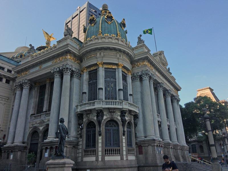 visiter-rio-incontournables-centro-theatre-municipal2-charonbellis