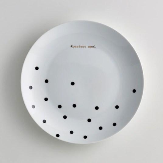 Assiettes-polka-dot-black-Klubber-La-Redoute-Interieurs-Charonbellis