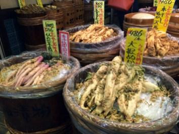 Nishiki-Quoi-ou-manger-a-Kyoto-Charonbellis