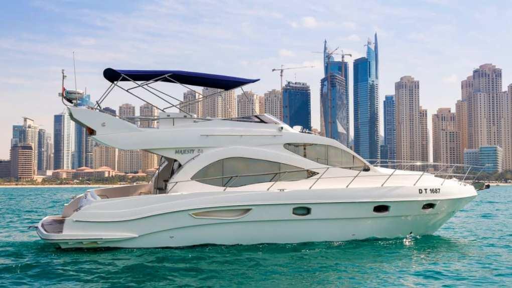 charter yacht dubai