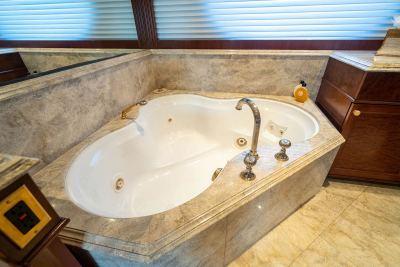 master-tub-1280px-45