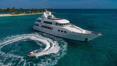 Relentless luxury yacht