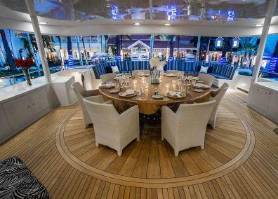 sun-deck-table-night-1280px-45