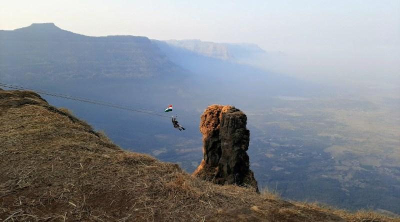Indian Flag taken to Wanar Lingi Pinnacle - वानरलिंगीवर तिरंगा नेला