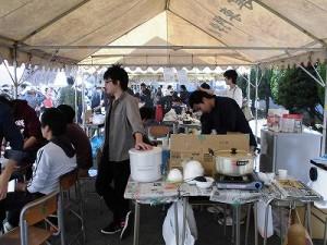 第50回福井高専祭 露店裏の調理風景1/どこまでもアマチュア