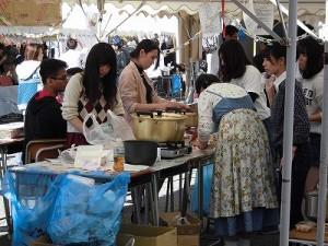 第50回福井高専祭 露店裏の調理風景2/どこまでもアマチュア