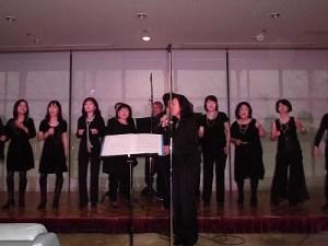 もう最高!クリスマスコンサート2014 in 勝山ニューホテル リードボーカルがステージを降りて歌うゴスペル ウィンディ フレンズ/どこまでもアマチュア