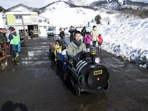 さかだに雪まつり カッコいい機関車/どこまでもアマチュア