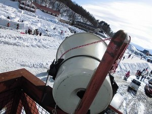 さかだに雪まつり 妻平ヒュッテ南東方面へ向けたトランペットスピーカー/どこまでもアマチュア