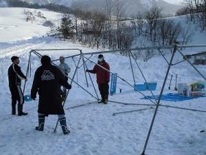 さかだに雪まつり 雪の下の野菜収穫体験の会場準備/どこまでもアマチュア