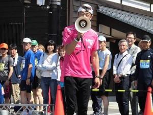 第51回越前大野名水マラソン あたりを独裁しているゲストランナー 森脇 健児氏/どこまでもアマチュア