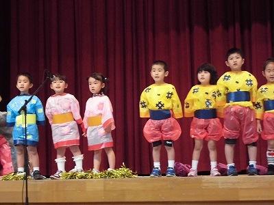 第30回大野市福祉ふれあいまつり 誓念寺保育園の園児によるオペレッタ「おむすびころりん」