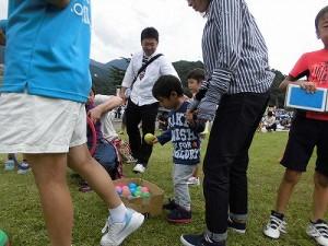 六呂師高原アルプス音楽祭2015 藤島高校ジャグリング部 地味に見えて触ってみるとどうやるといいか迷うボール/どこまでもアマチュア