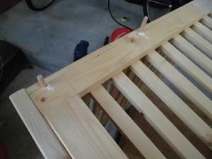 日曜大工自習教室~下手の横好き編~ ダボ穴に押し込んだ木ダボ/どこまでもアマチュア