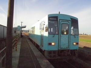 六条駅を紹介します。 停車した列車/どこまでもアマチュア
