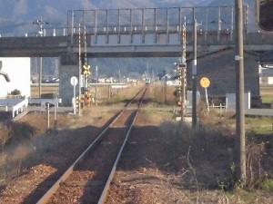 六条駅を紹介します。見えなくなっていった列車/どこまでもアマチュア