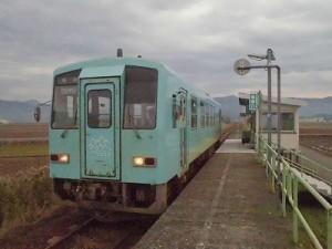 足羽駅はこんなところでした。 停車した列車/どこまでもアマチュア