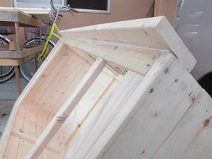 日曜大工教室~我流か自己流か編 庇付き天板の取り付け結果/どこまでもアマチュア