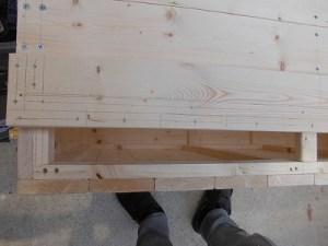 日曜大工教室~我流か自己流か編~6 天板6枚目のビス位置を記入 /どこまでもアマチュア