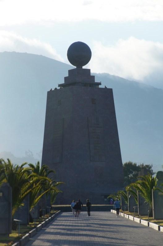 """Monument der """"Mitad del Mundo"""""""
