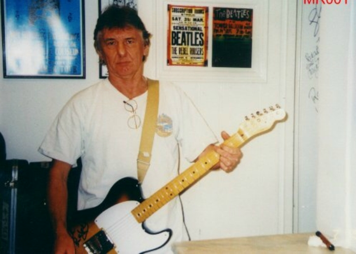Mick Ralphs with his Fender Esquire