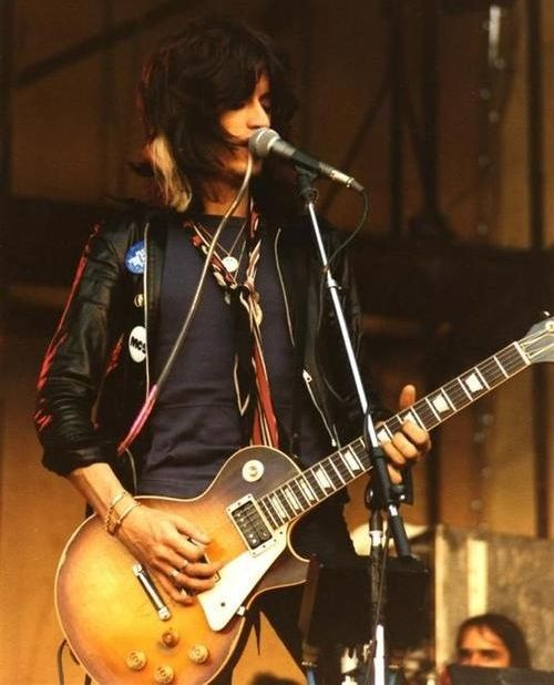 Joe Perry, 1976 with his burst