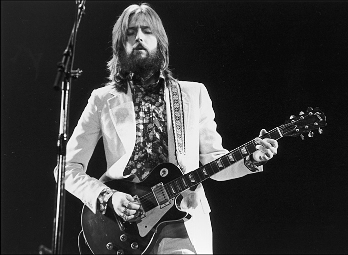 Eric Clapton playing Les Paul guitar