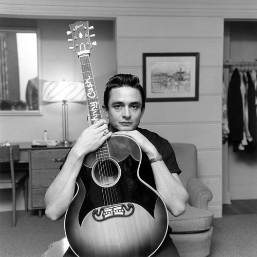 Johnny Cash J-200
