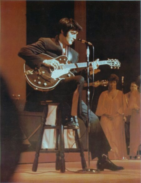 Elvis with his Gretsch Country Gentleman