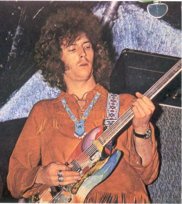 Eric Clapton playing his painted SG