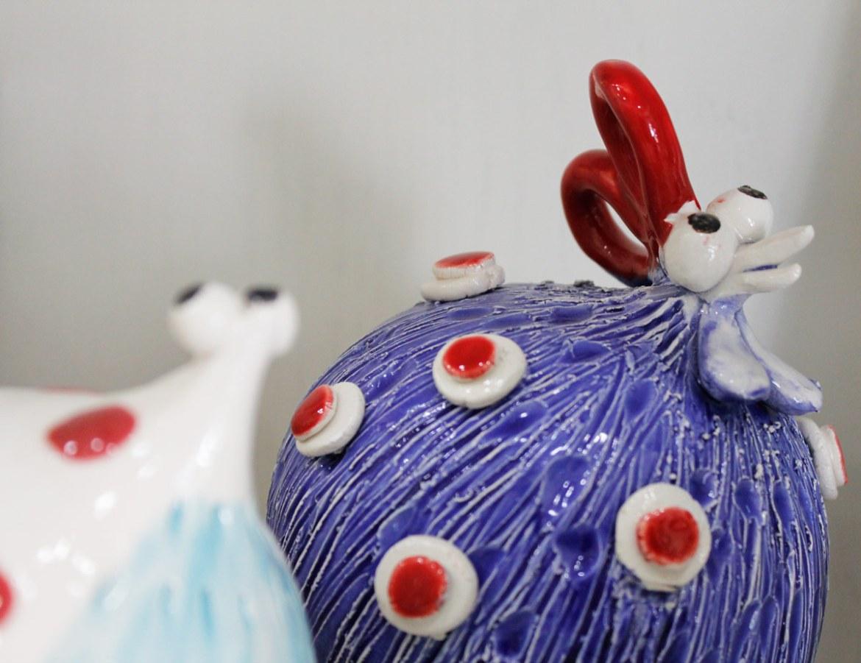 dettaglio galline ceramica calliope afragola