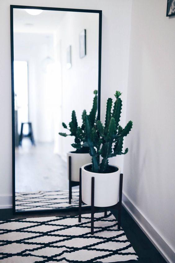 corridoio con specchio