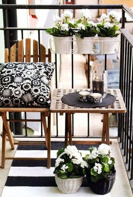 arredare il balcone con piante e fiori