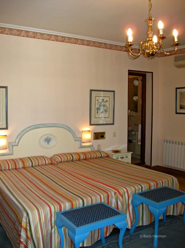 Beds in Room 407- Hotel Infanta Isabel