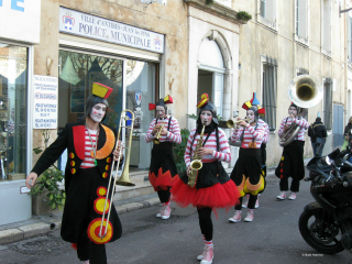 A colorful band in Antibes