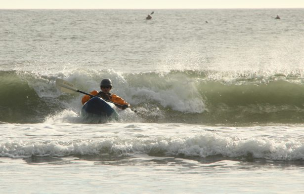 lee surf kayaking