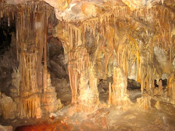 nevada cave features