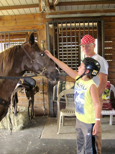 hunter getting to know the horse