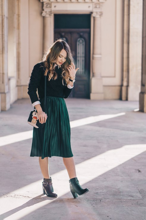 emerald-green-pleated-skirt-preppy-outfit-pink-wish-10