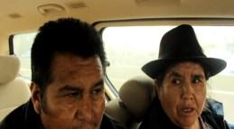 padres de John Copaga llega al aeropuerto de Ezeiza (Foto: Chaski Klandestino, 22-sept.-2015)