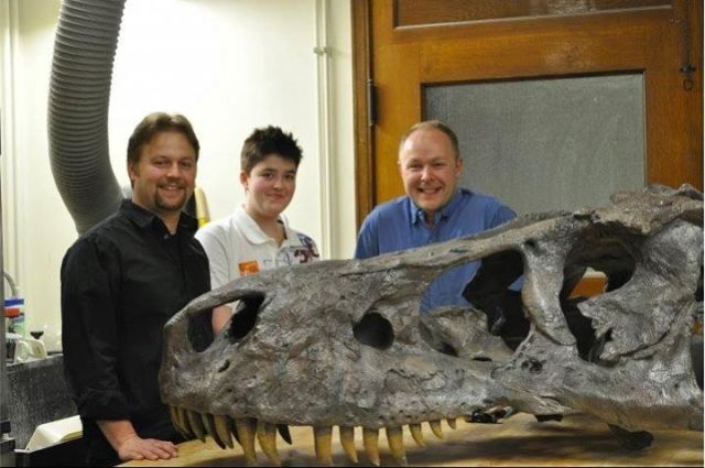 Paleoartist Liam Elward with Dr. Phil Manning and Dr. Pete Makovicky at the Field Museum