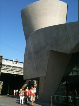 Her concrete lift well poses in a mock flamenco