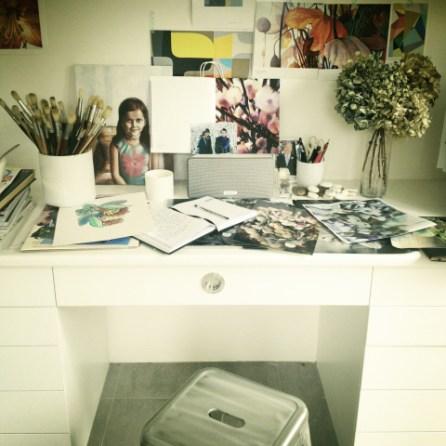Artist Leanne Thomas - ready to work
