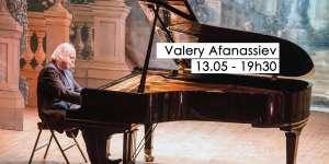 Concert de piano de Valery Afanassiev au théâtre du Château de Chimay