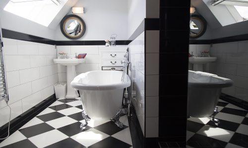 chateau de jalesnes hotel bathroom loire valley france