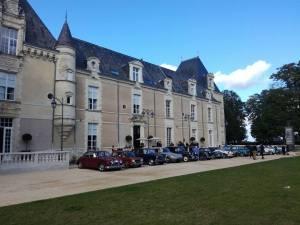 chateau de jalesnes loire valley france car show