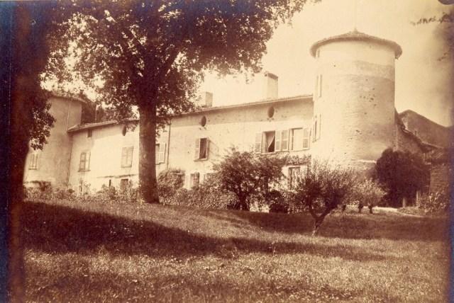 Saconay - La façade Sud-Est du XVI°